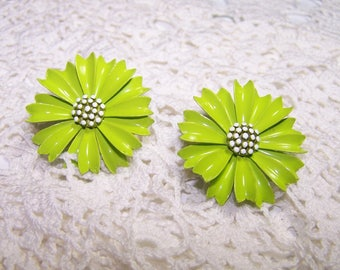 Vintage Chartreuse Lime Green Crown TRIFARI Enamel Flower Earrings 3D VTG  Jewelry Highly Collectible Yellow Green