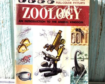 Vintage Childrens Golden Science Guide ZOOLOGY Book 1958, Introduction to the Animal Kingdom, Vintage Ephemera