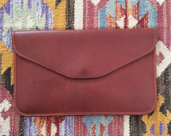 1970's Brown Leather Envelope Clutch Vintage Purse by Maeberry Vintage