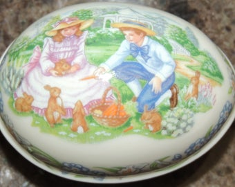 "1991 Lenox Porcelain Easter Egg ""Sharing Easter Gifts"""