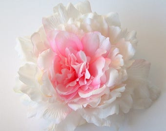 Giant Peony - Pale Pink
