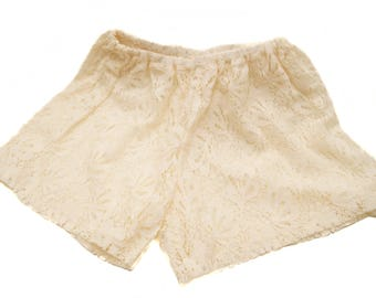 Lace shorts - embroidered lace - Beige summer shorts