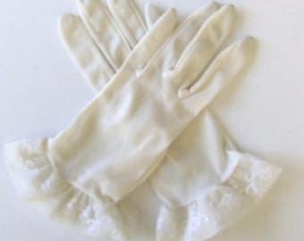 Vintage 60's Gloves Women's Off White Nylon with Ruffled Cuff and Embroidered Design Size 6 / 6.5