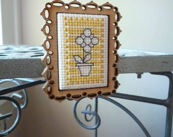 One Simple Flower, Hand Stitched Greeting Card and Magnet
