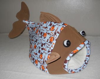 Fish Shaped Pet Bed Dog House Blue with Weiner Dogs