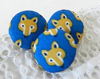 Fabric Fox, 20 mm diameter button