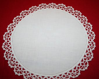 Vintage Linen & Crocheted Lace Doily- 11 inches
