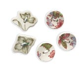 "Pretty Buttons. Set of 5 Buttons. Broken China. Ceramic Button. Handmade Buttons. Sew On Buttons. Small Buttons. 1/2"" Buttons. 3/4"" Buttons"