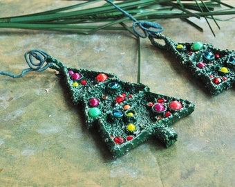 Statement, oversized, contemporary, oversized, urban, textile art, geometric, structural, fun The Christmas tree