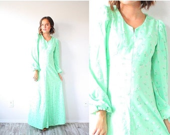 30% OFF SALE Vintage boho bright green floral garden dress // maxi summer dress // floral lime green navajo boho green dress // modest long