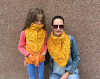 Crochet Scarf / knitted scarf / chunky scarf / Matching mother daughter scarf / yellow scarf / Matching scarf / Mom and me