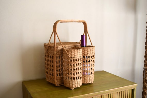Vintage Wicker Wine Picnic Basket -  Bohemiam, Farmhouse, Natural, Earth Inspired, Eclectic