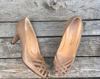 9 B | 1980's Andrew Geller Taupe Woven Leather Open Toe Heels