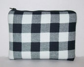 """Padded Pipe Pouch, White Black Plaid, Pipe Case, Glass Pipe Bag, Stoner, Hipster, Grunge, Smoke Accessory, Zipper Pouch, 7.5"""" x 6"""" X LARGE"""