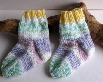 Baby girls pastel multicoloured  hand knitted self patterning socks. 9 to 18 months. UK 3  EU 19  US 3.5