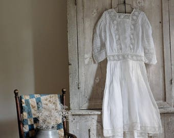 Vintage White Young Girls Dress, Flower Girl Dress, Edwardian White Lawn Dress