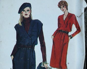 25%off Sizzlin Summer Sal Very Easy Vogue 7764 1980s 80s  Double Breasted Jumper Kimono Sleeves Vintage Sewing Pattern  Size 12 Bust 34