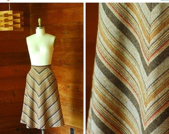 20% off weekend sale / vintage 1970s wool chevron stripe skirt / size xs