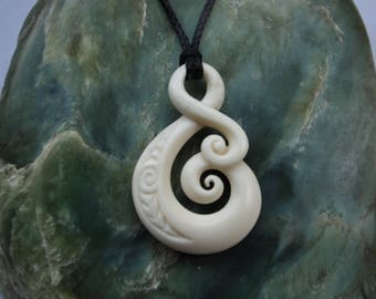 Eternal Love symbol in bone , Hand carved with engraving~ Maori tribal symbol