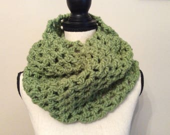 Lime green chunky neck warmer, Crochet Cowl neck warmer, Handmade cowl scarf, Infinity scarf neck warmer, Lime green cowl