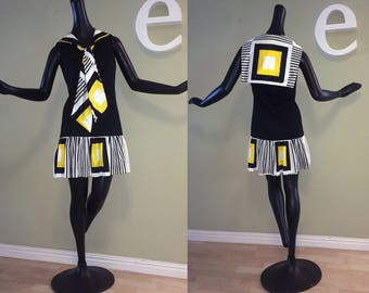 MOD Nautical Sailor Dress Vintage 1960s Twiggy Twiggy Carnaby Street Mini Dress Yellow Black White Geometric Tie Front Sonni California Sm