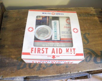 Vintage American White Cross First Aid Kit Travel Auto Hiking Camping Re-enacting College Dorm Kitchen First Aid Unguentine Great Graphics
