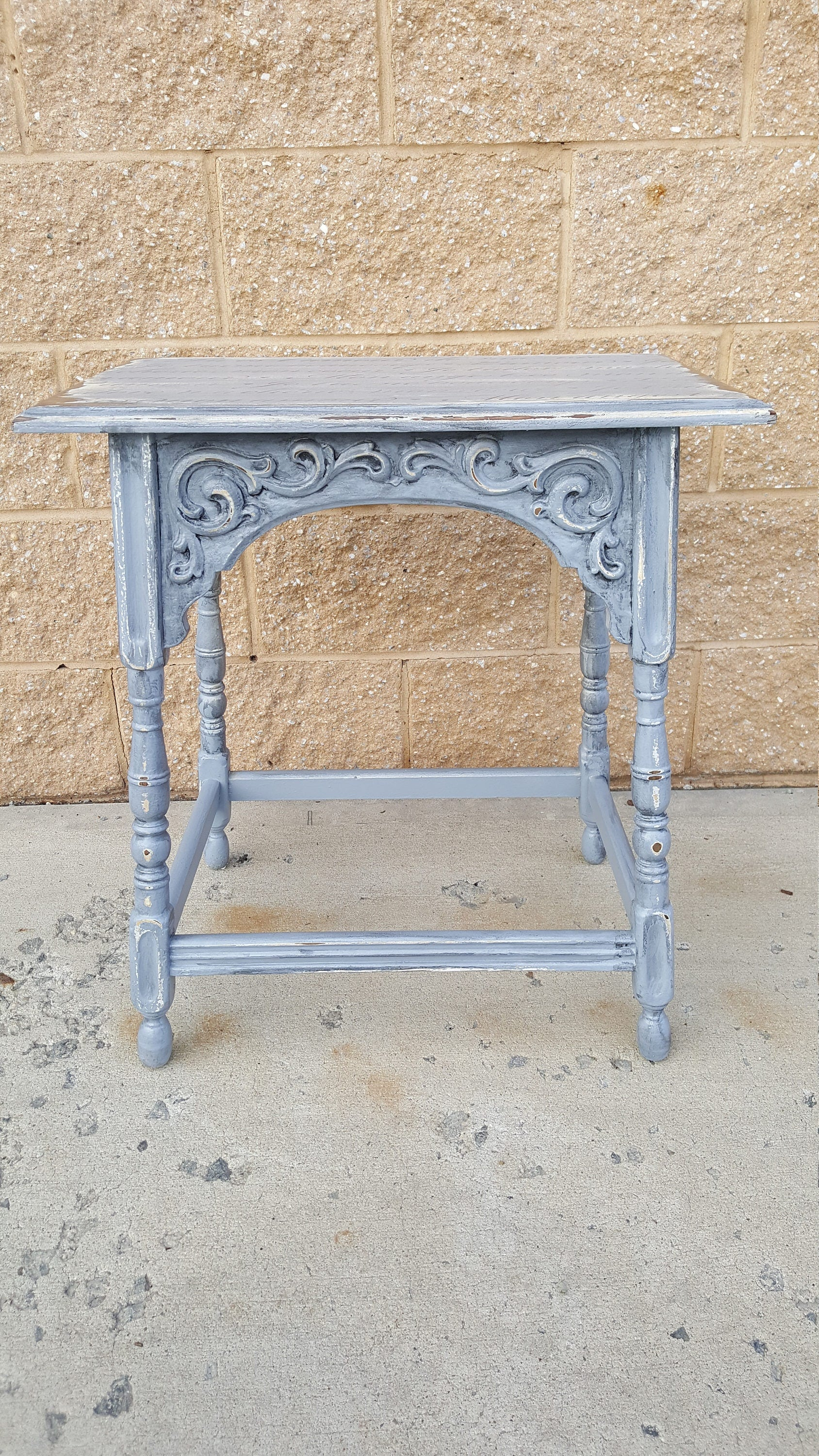 PICK UP ONLY Vintage Farmhouse Shabby chic table, french image ...