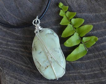 Chrysoprase Necklace, Mint Chrysoprase Necklace, Crystal Jewelry, Stone Necklace, Wire Wrapped Chrysoprase, Mint Green Stone, Geology