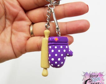 Oven Mitt With Rolling Pin Keychain