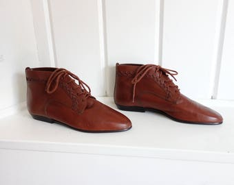 Rusty Reddish Brown Vintage 1980s 1990s  Leather POINTY Lace Up Flats Ankle Granny Booties Boots 5 M  Brazil