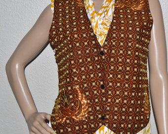 Vintage women beaded vest snapped front Vest  size S/M   costume  folklore  vest  NOS Unique vest
