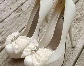 Bridal Lace Shoe Clips, Lace bridal shoes clips,  Pearl and  Rhinestone Shoe clips,  Shoe Clips, wedding shoe clips, pageant accessories