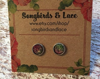 Pink and green iridescent stud- 8mm