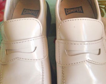 Black and white all leather spanish Camper loafers shoes