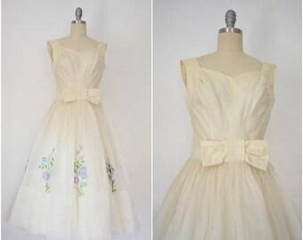 25% OFF SALE Vintage 1950s Cocktail Embroidered Floral Tulle Dress