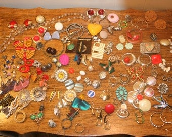 Jewelry Supply Lot,broken jewelry,broken jewelry lot,junk jewelry lot,embellishment,collage supply,mixed media,jewelry findings,jewelry