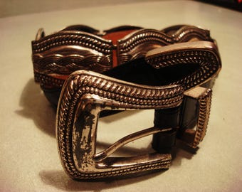 Vintage Boho Chic 1990s Black Leather Concho Link Belt