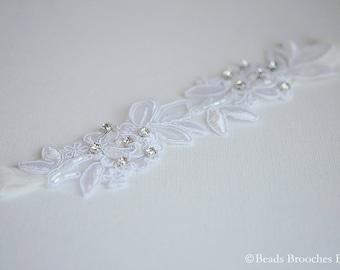 Flower Lace Wedding Garter,White Lace Bridal Garter,Rhinestone Crystal Garter,Woodland Wedding Toss Garter,Wedding Garter, White Lace Garter
