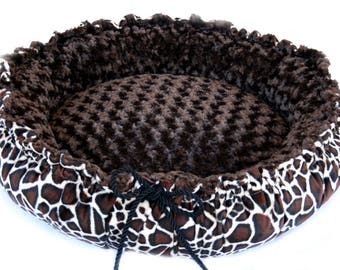 Minky Dog Bed, Round Dog Bed, Large Dog bed, Giraffe Print Brown Minky large