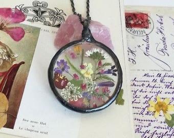 Rose petals, Terrarium Necklace, Wildflower necklace, Flower jewelry Fern Necklace, Floral forest fern woodland necklace, Terrarium