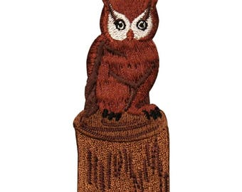 ID 0714 Owl On Stump Patch Night Life Animal Hoot Embroidered Iron On Applique