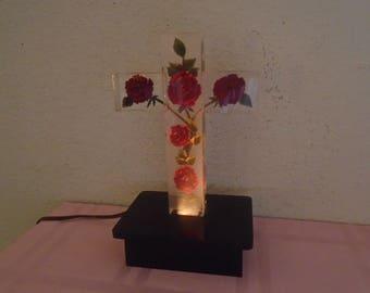 "Gorgeous Vintage ""Christian Cross"" Lucite Night Light  / Red Rose's / Stunning!"