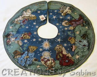 "Boyds Bears & Friends Christmas Tree Skirt Holiday Pageant 1996 Tapestry 44"" Nativity Scene Surround Collectible Vintage FREE SHIPPING (679)"