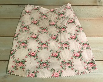 Vintage half apron with flower design Romantic, cottage, shabby chic 1950's 1960s