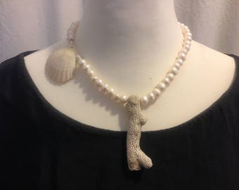 Beach Pearls Coral Necklace Silver Lock