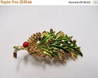 ON SALE GERRY'S Enameled Holly Leaf Pin Item K # 1076