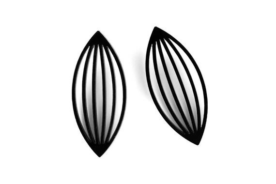 Earrings Mutation 02 - petal - black - statement jewellery - contemporary jewelry - minimalist - designer accessory - lasercutting - acrylic