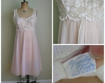 Summer Clearout Vintage Pale Pink/ Lace 'Brina Ballerina 1960's Nightie