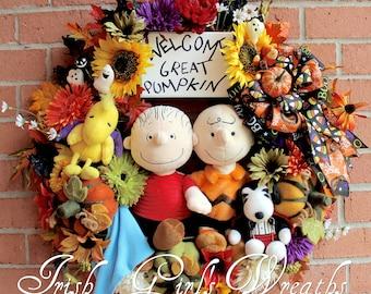 Great Pumpkin Halloween Wreath, Charlie Brown, Linus, Snoopy, Woodstock, Peanuts Wreath, Fall Floral Wreath, Peanuts Gang Decor