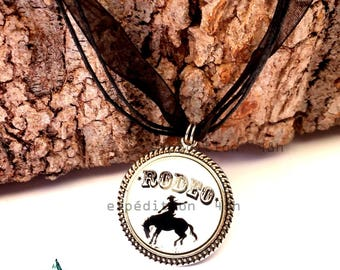 Pendant necklace crew neck, around the neck organza, Rodeo, cowboy, western, country, usa, horses, fashion, retro